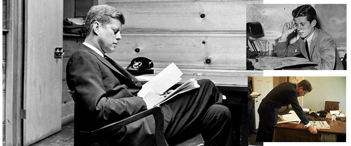 تصویر جان اف کندی در حال کتاب خواندن